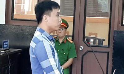 Bị cáo khai nhận, sau khi giết 3 người đã hai lần tìm đến cái chết nhưng thất bại. Ảnh: Minh Anh.