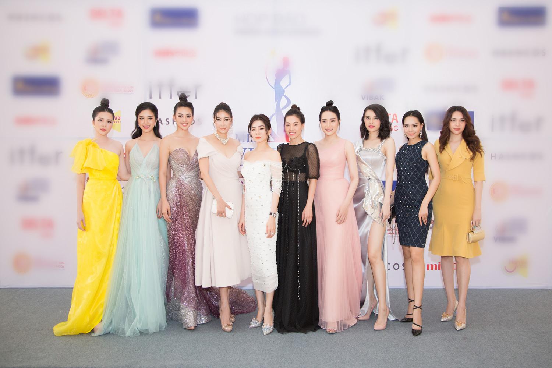 Dàn Hoa hậu và người đẹp có mặt trong buổi họp báo