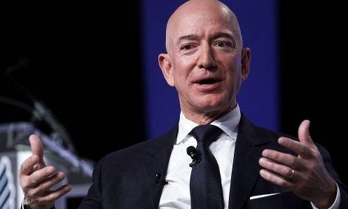 Ông chủ Amazon Jeff Bezos trong một sự kiện hồi tháng 9 năm ngoái. Ảnh: AFP