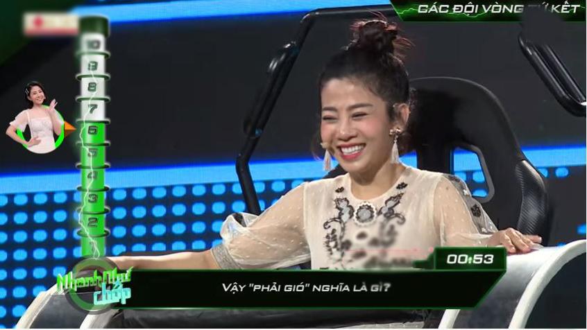 """Cùng với đồng đội, Mai Phương đã có những phần thi """"lên đỉnh"""""""