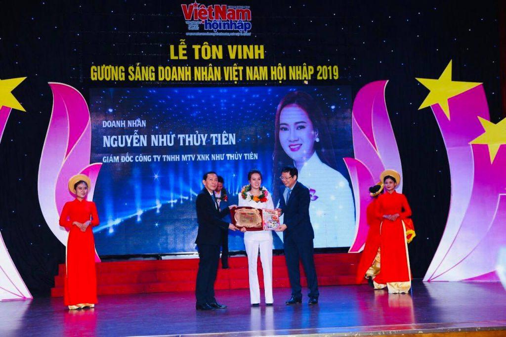 Nữ Hoàng doanh nhân Nguyễn Như Thủy Tiên được tôn vinh tại buổi lễ