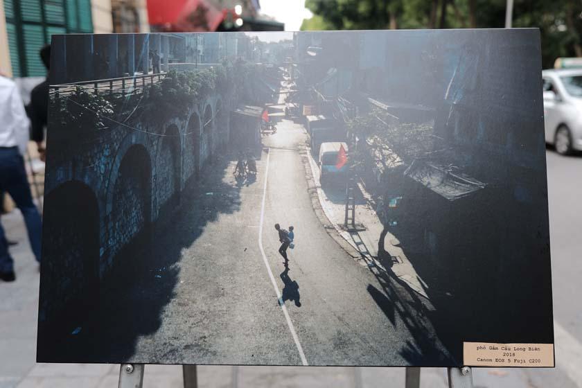 'Nhà hát lớn' được ghi lại đầy sáng tạo với kỹ thuật Reflection - ảnh phản chiếu - ảnh: NHẬT LINH