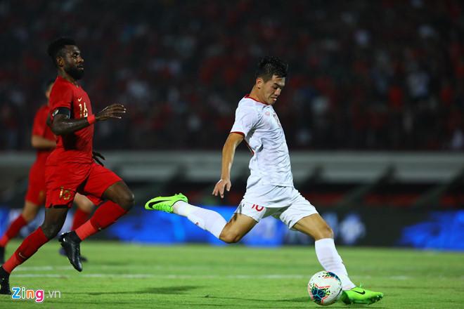 Tiến Linh ghi bàn thắng thứ 3.